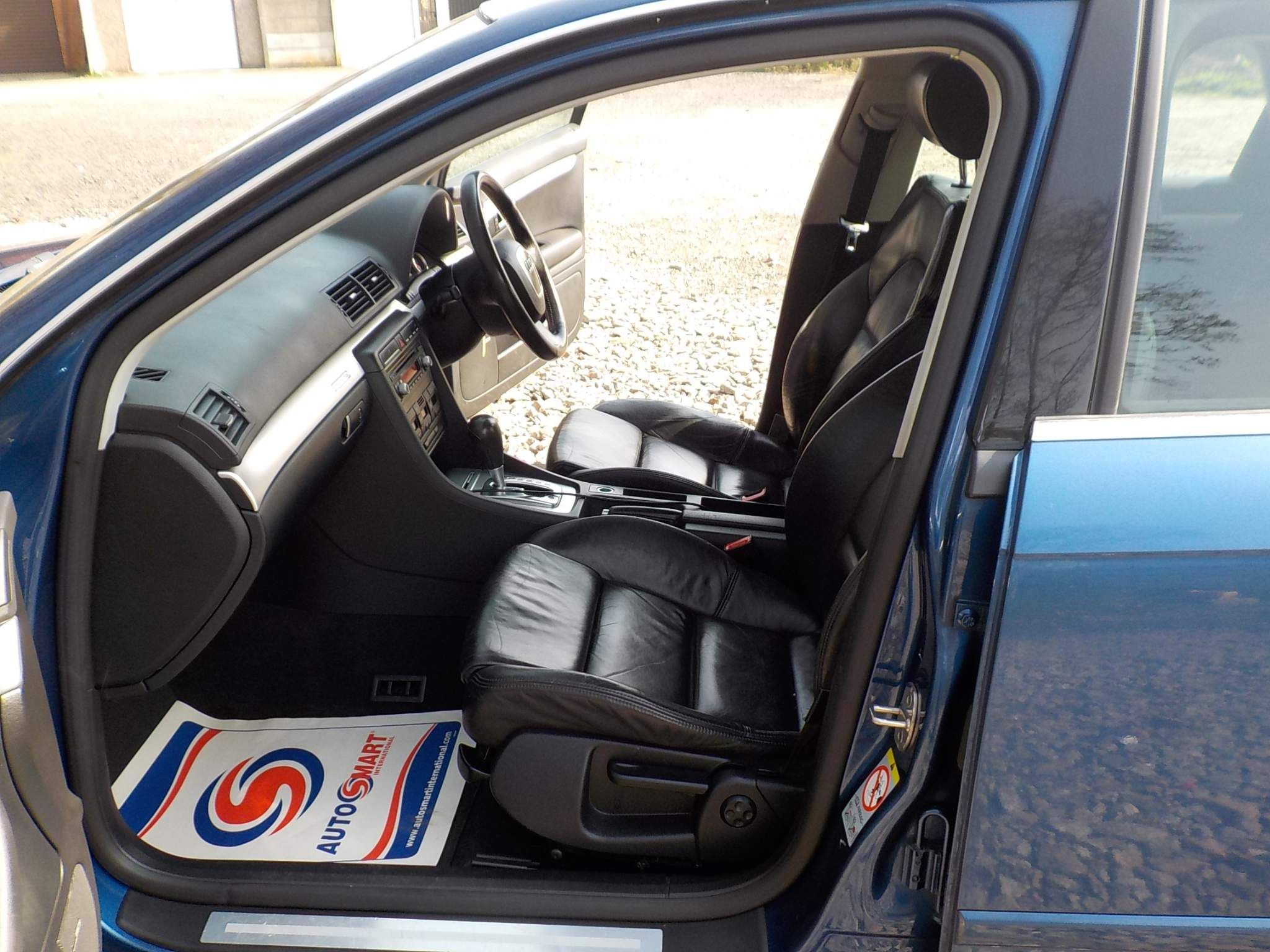 Audi A4 2.0 TFSI S line quattro 4dr
