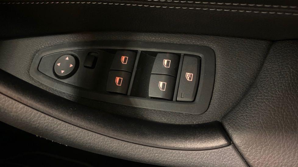Image 19 - BMW sDrive18i Sport (YH20PYY)