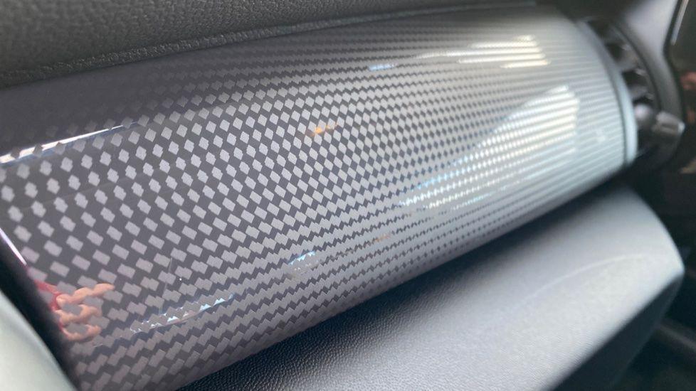 Image 26 - MINI Hatch (YG20XXS)