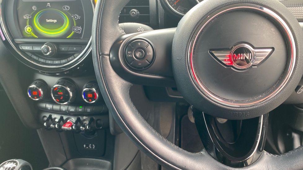 Image 17 - MINI Hatch (MM66RFX)
