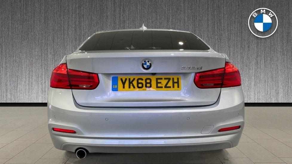 Image 15 - BMW 318d SE Saloon (YK68EZH)