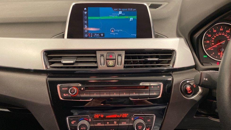 Image 5 - BMW xDrive18d SE (LR67YKY)