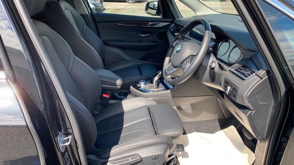 Image 11 - BMW 218i Luxury Active Tourer (YC69FNN)
