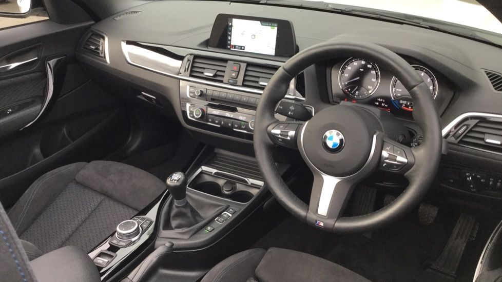 Image 5 - BMW 218i M Sport Convertible (YK68CXD)