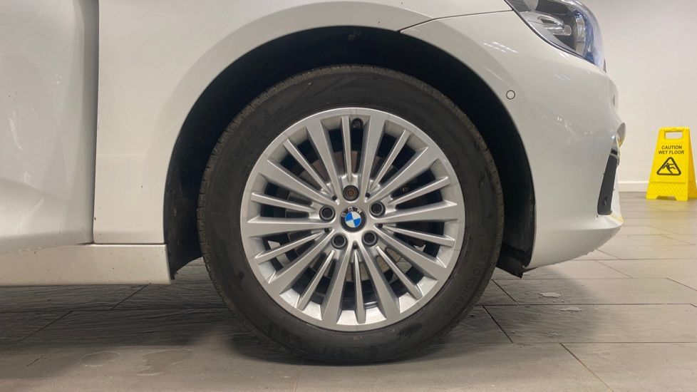 Image 14 - BMW 218d Luxury Active Tourer (PO15VTN)