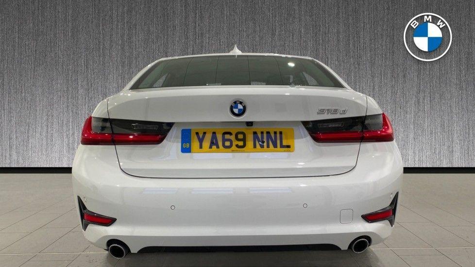 Image 15 - BMW 318d Sport Saloon (YA69NNL)