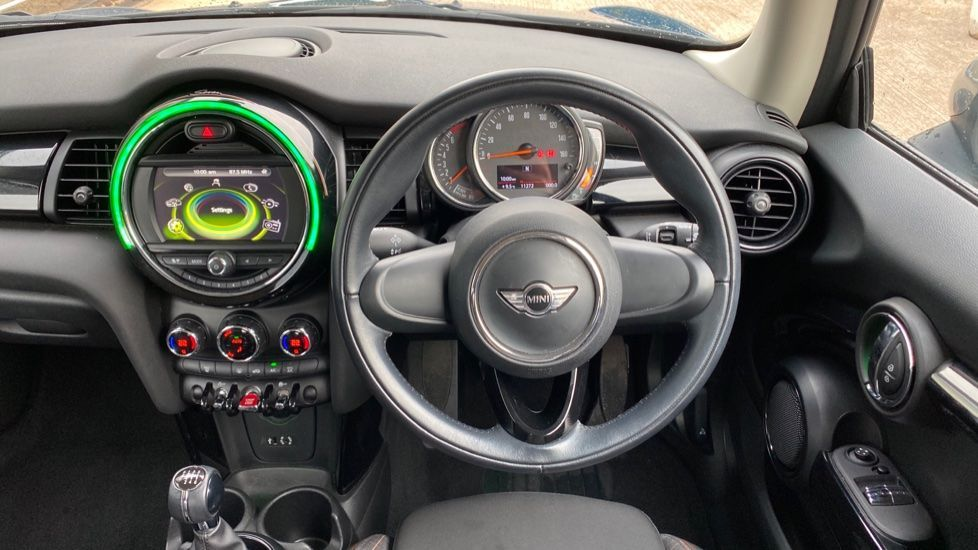 Image 8 - MINI Hatch (MF67SFX)