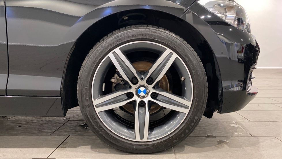 Image 14 - BMW 118i Sport 3-Door (LW17DCU)