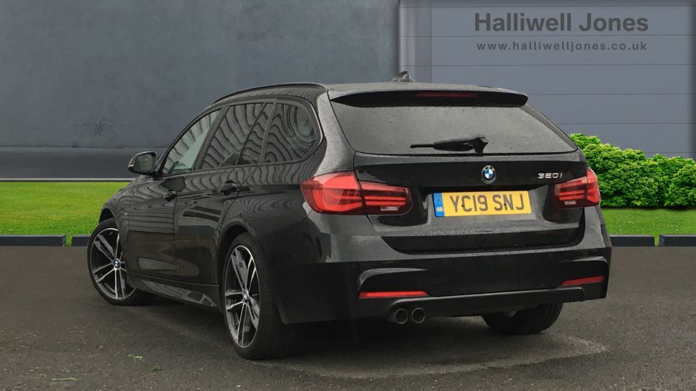 Image 2 - BMW 320i M Sport Shadow Edition Touring (YC19SNJ)