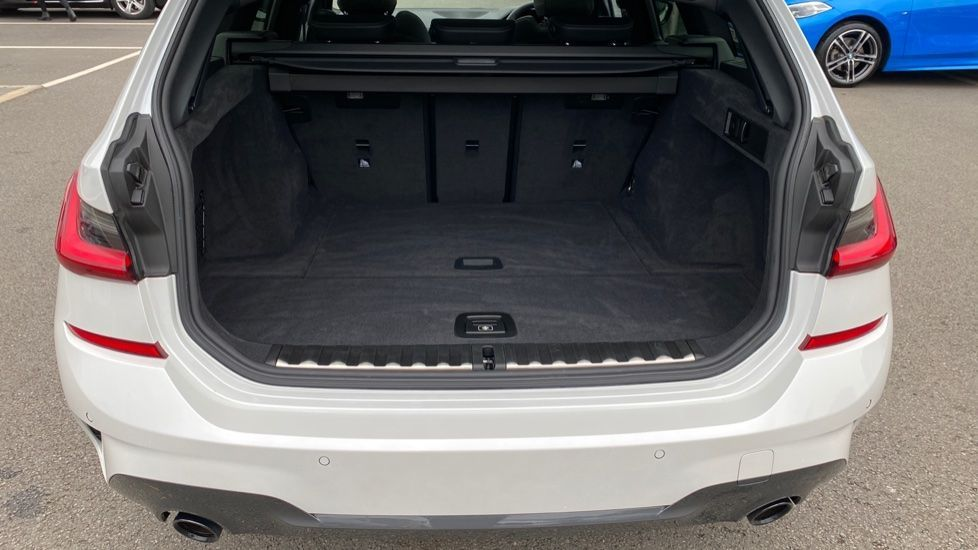 Image 13 - BMW 330d xDrive M Sport Touring (YB69FNC)