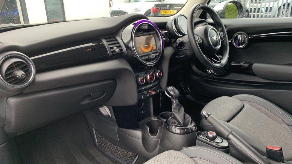 Image 6 - MINI Hatch (MV65FXH)