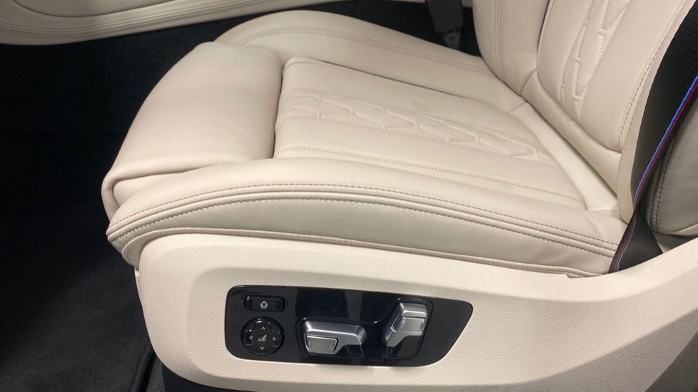Image 26 - BMW xDrive40i M Sport (YE20DWY)