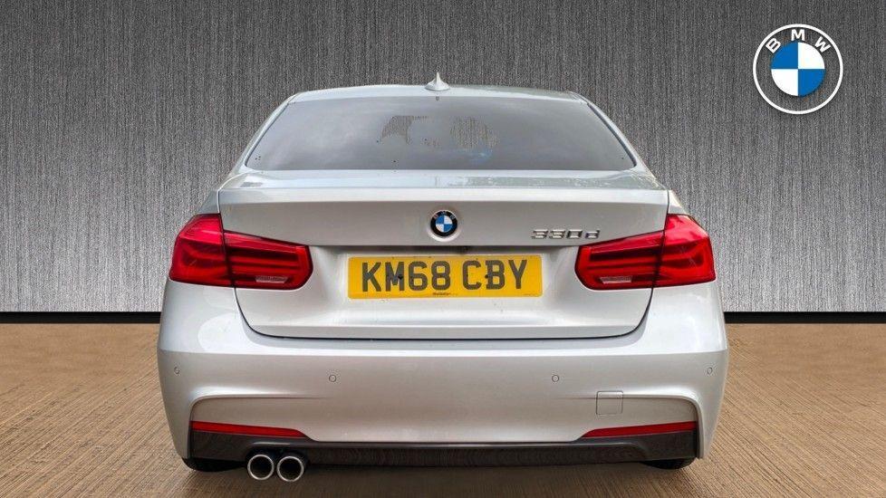 Image 15 - BMW 330d M Sport Saloon (KM68CBY)