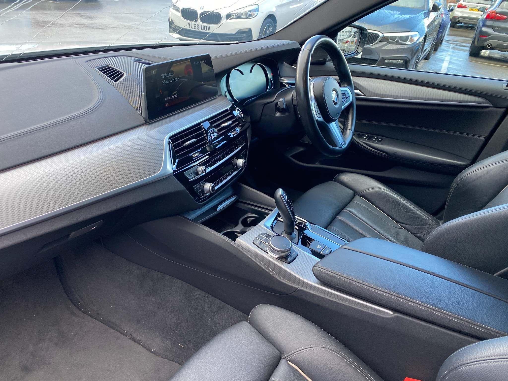 Image 8 - BMW 520d M Sport Saloon (MT67UPS)