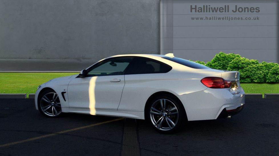 Image 2 - BMW 420d M Sport Coupe (YE14KGV)