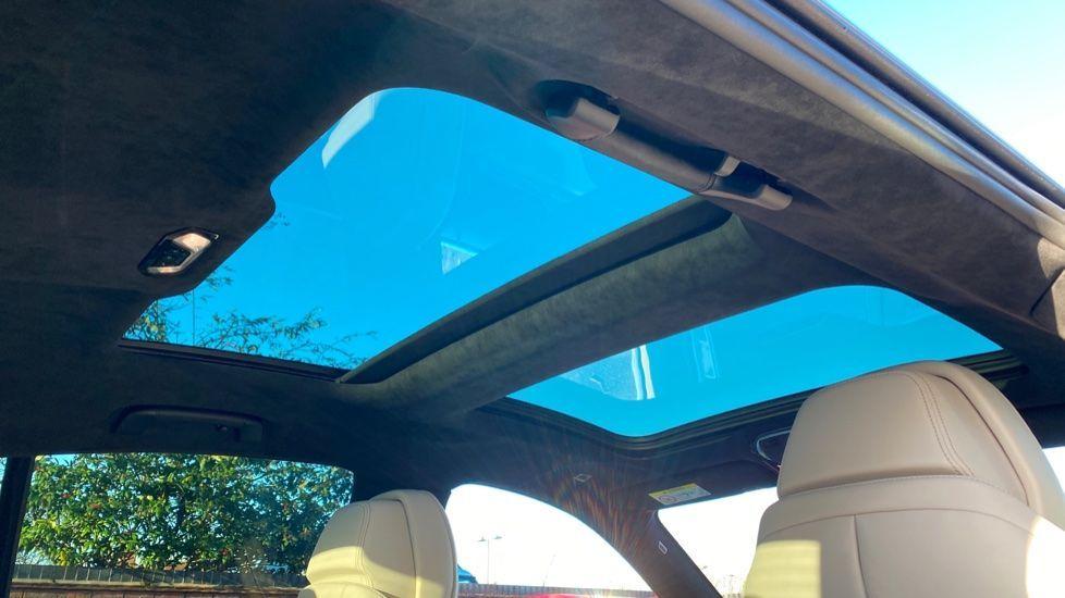 Image 28 - BMW 840i Gran Coupe (YE69WNX)