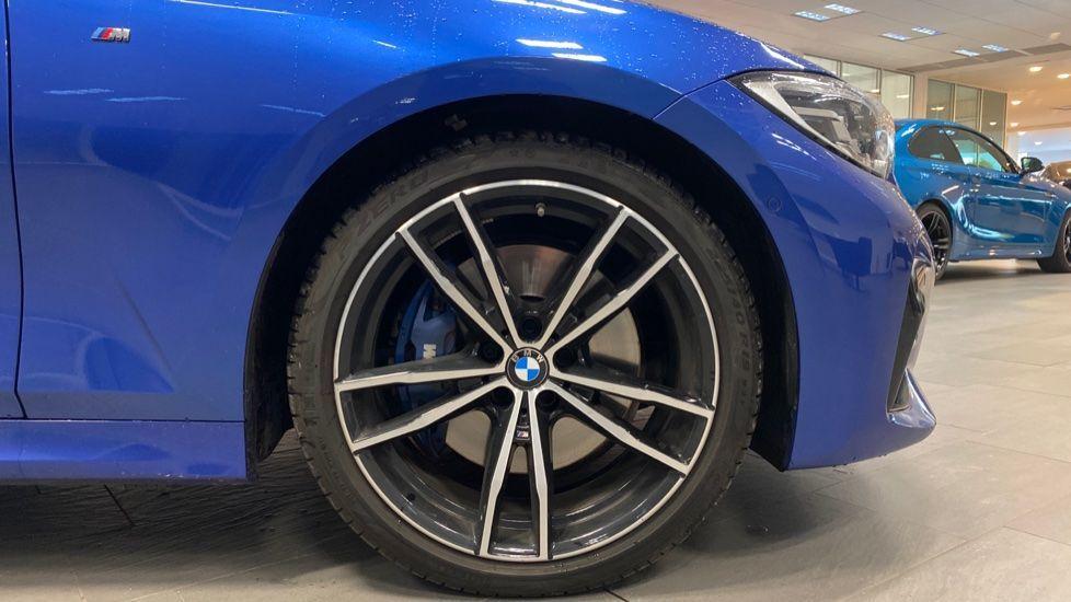 Image 14 - BMW 320d M Sport Saloon (YB69WNR)