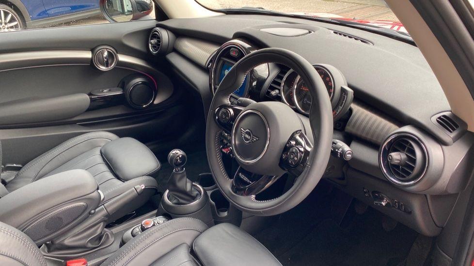 Image 5 - MINI Hatch (DK20JZR)