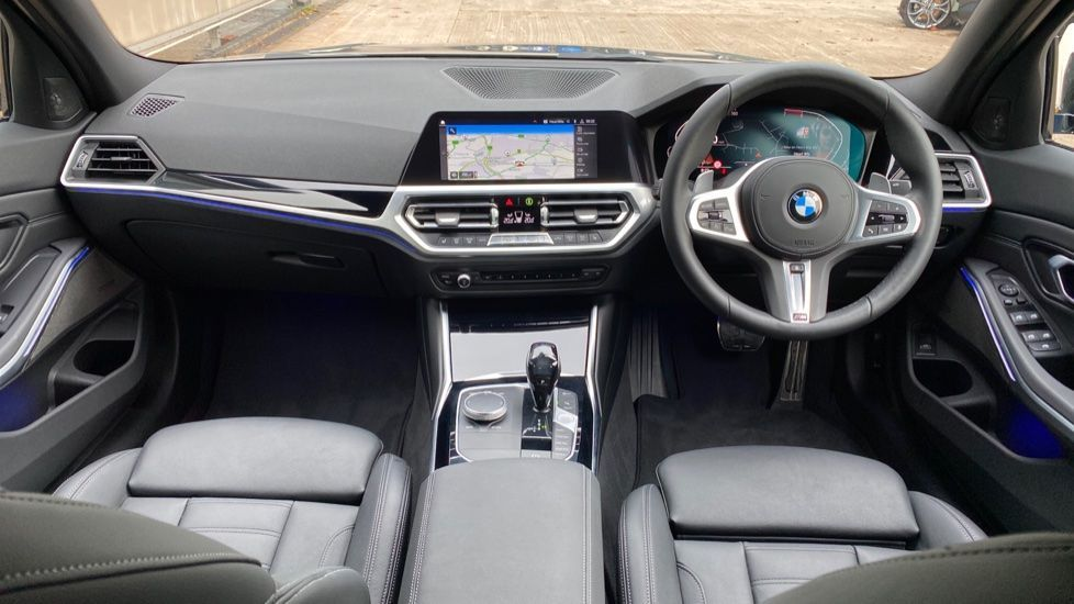 Image 4 - BMW 320i M Sport Plus Edition Saloon (MF20KHA)