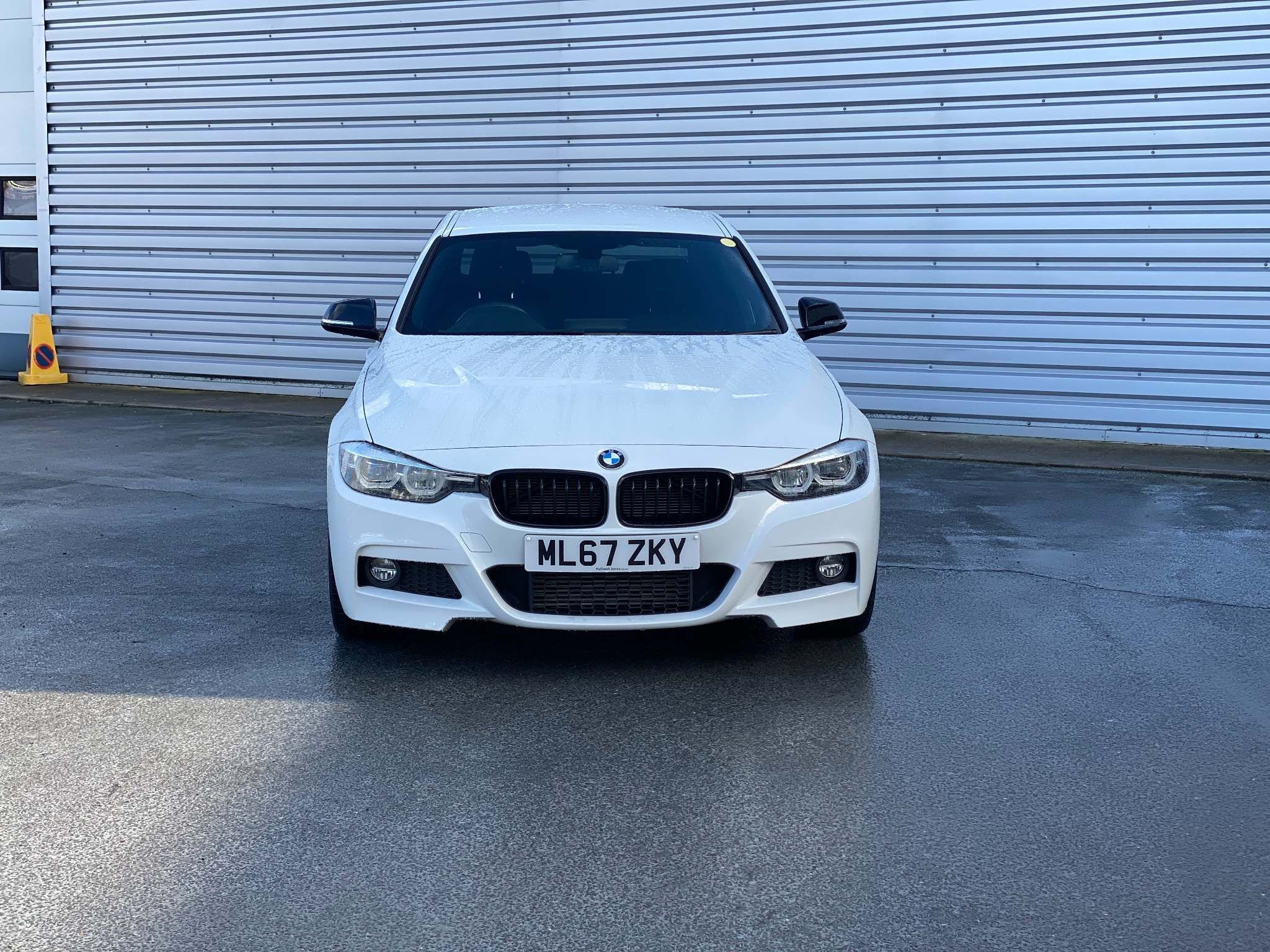Image 4 - BMW 320d M Sport Shadow Edition Saloon (ML67ZKY)