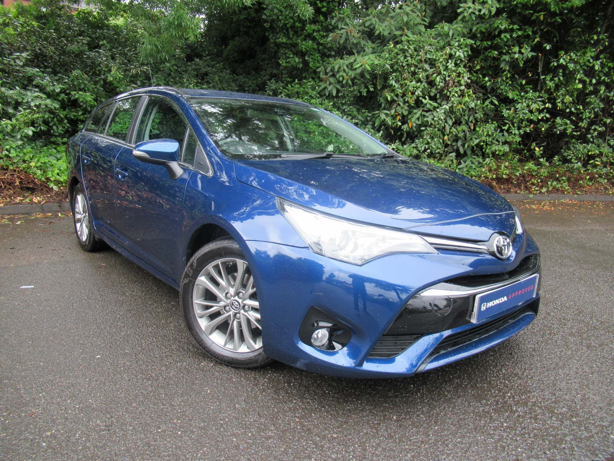 Toyota Avensis 1.8 V-matic Business Edition Touring Sports CVT 5dr