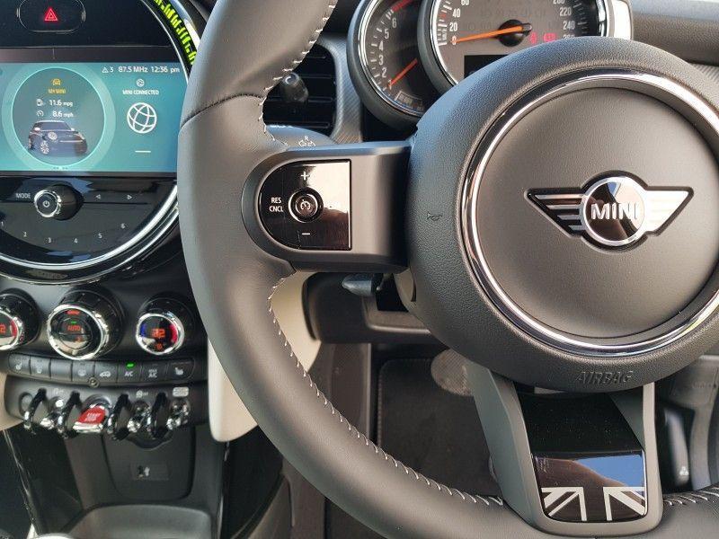 Used MINI Hatch Cooper Exclusive 3door Hatch ** New 2021 Version** (2021 (212))