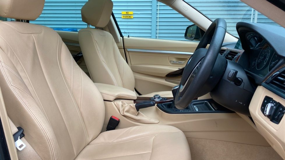 Image 11 - BMW 320d Luxury Gran Turismo (MX64WDM)