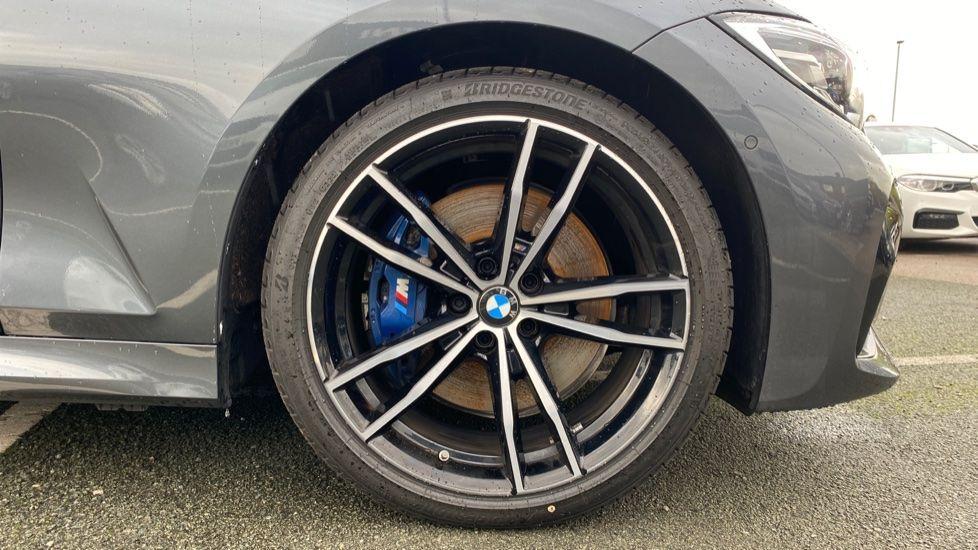 Image 14 - BMW 320d M Sport Saloon (DA20XXH)