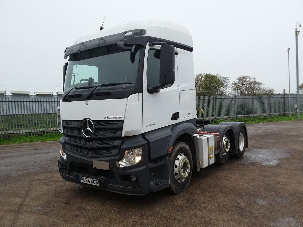 Mercedes-Benz Actros Actros 6x2 ADR Tractor Unit New Cvrt Warranty