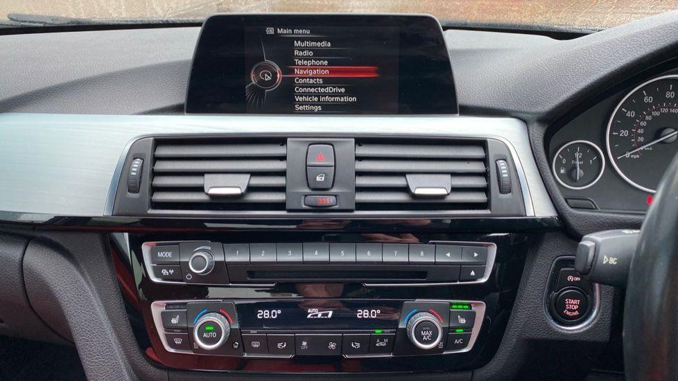 Image 7 - BMW 330d xDrive M Sport Saloon (MJ16GGX)