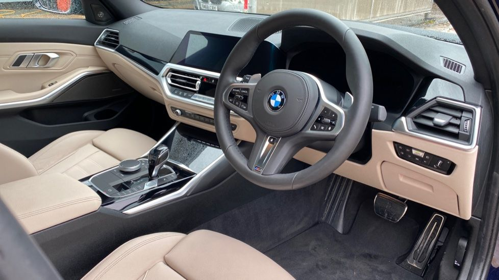 Image 5 - BMW 320d M Sport Pro Edition Saloon (MA20HPF)