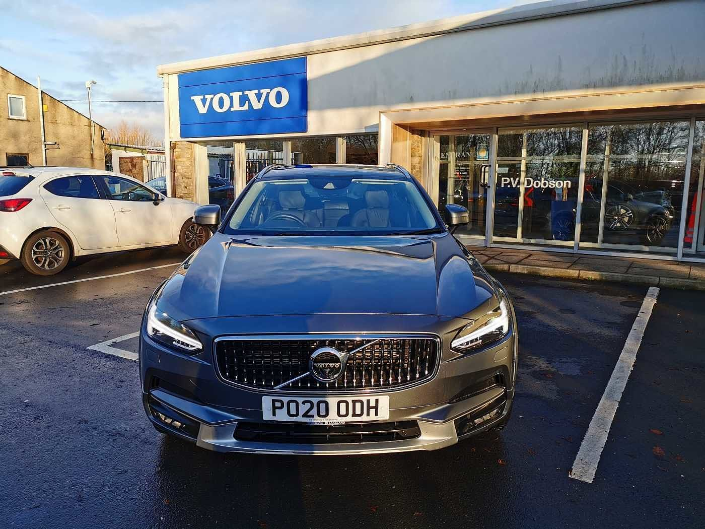 Volvo V90 2.0TD D5 AWD Cross Country Plus PowerPulse