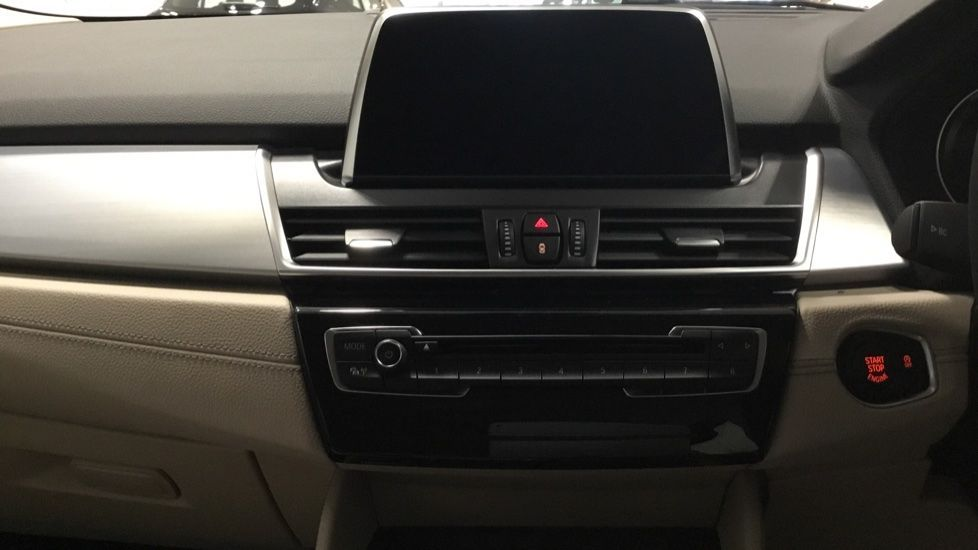 Image 7 - BMW 218i Luxury Active Tourer (PJ20PVX)