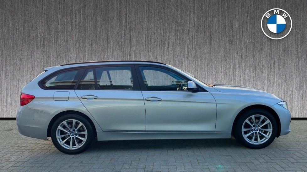 Image 3 - BMW 316d SE Touring (YA18UPK)