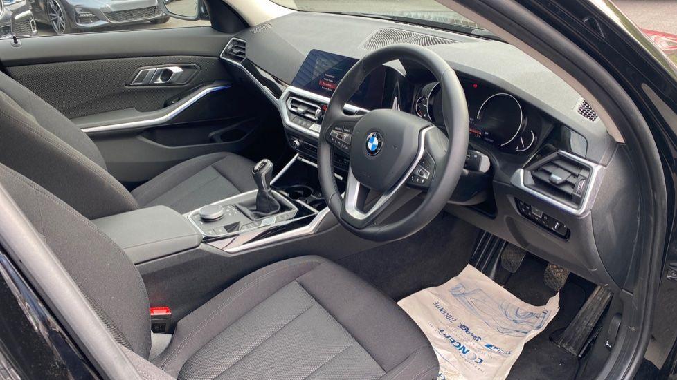 Image 5 - BMW 320d SE Saloon (YJ69RSF)