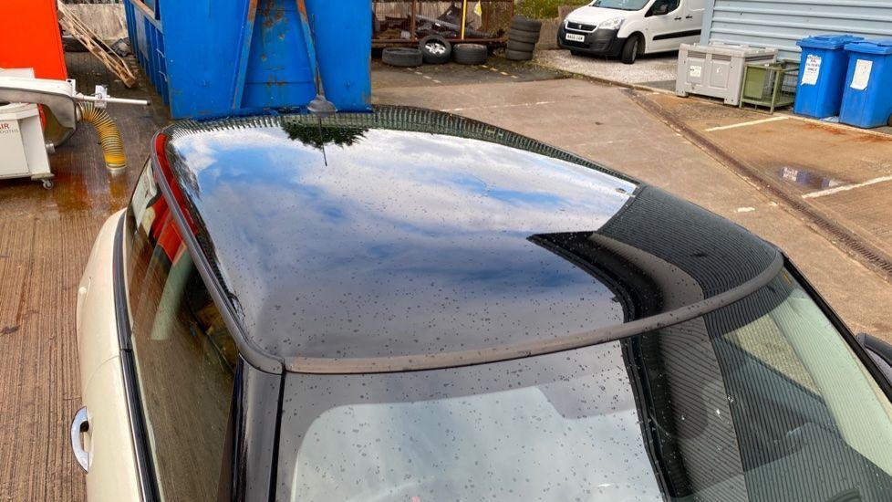 Image 21 - MINI Hatch (MX69WTM)
