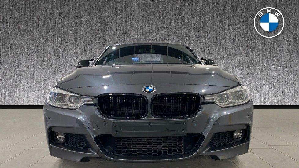 Image 16 - BMW 330d M Sport Saloon (MM17UNE)