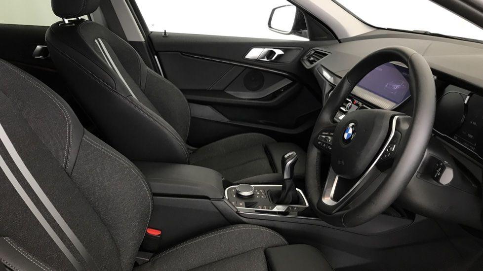 Image 11 - BMW 118i Sport (YF69NZU)