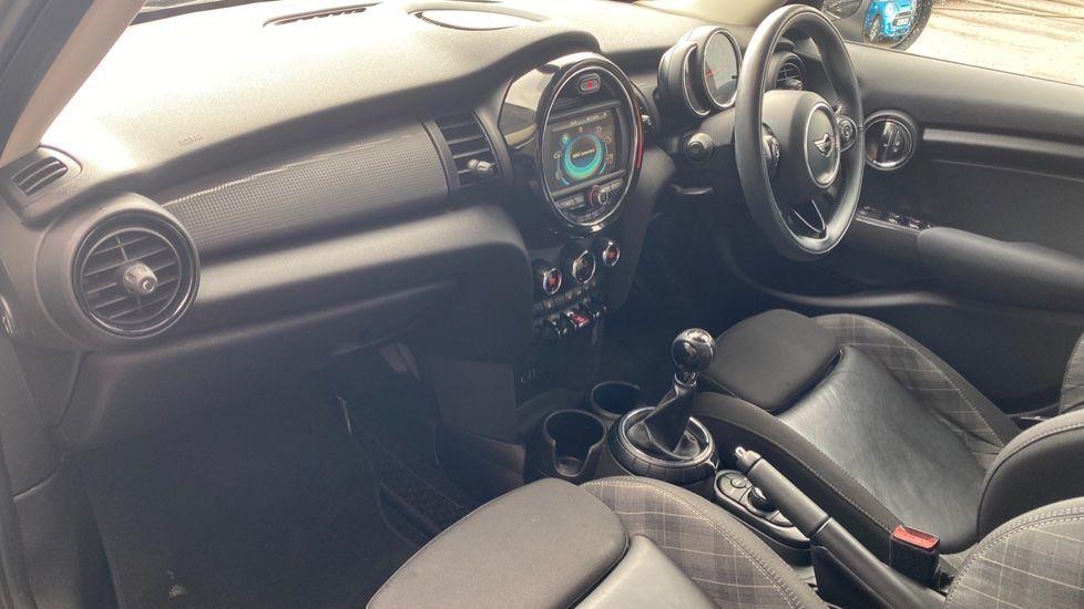 Image 6 - MINI Hatch (MM66RFX)