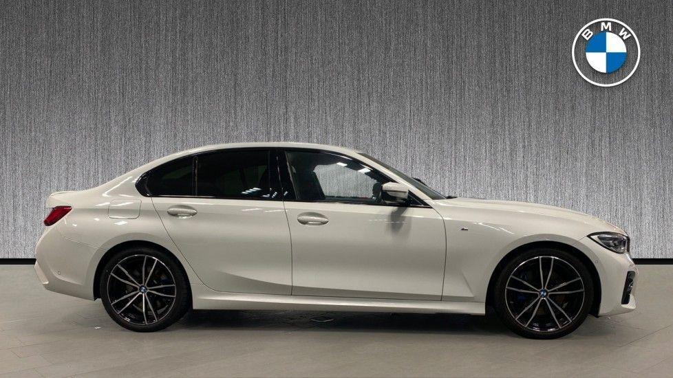 Image 3 - BMW 320i M Sport Saloon (YG20LFU)