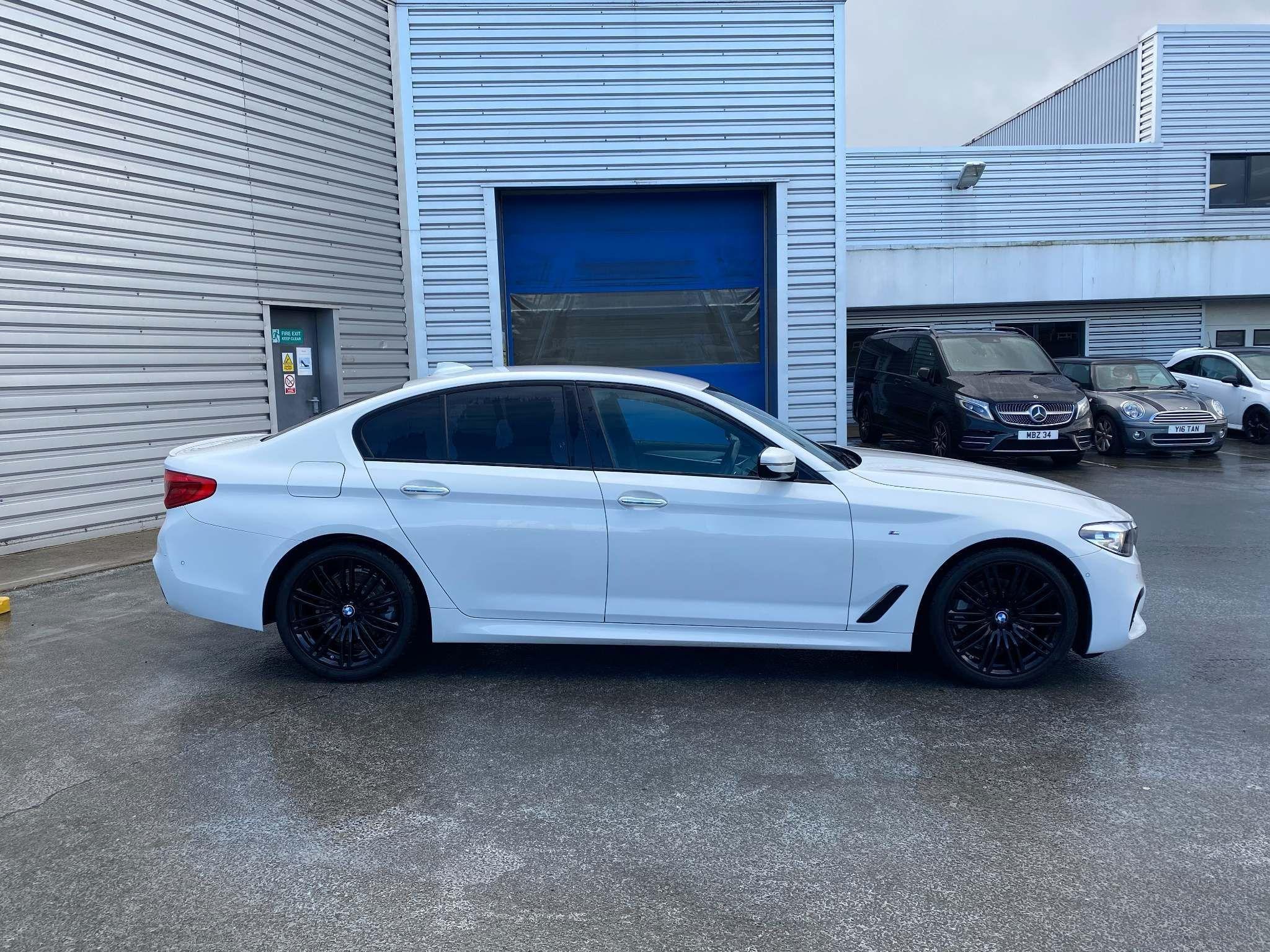 Image 3 - BMW 520d M Sport Saloon (MT67UPS)