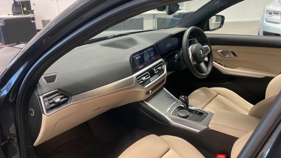 Image 6 - BMW 320i M Sport Touring (YG20JLV)