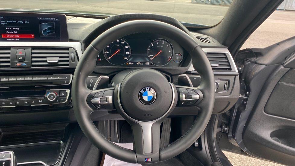 Image 8 - BMW 420i xDrive M Sport Coupe Auto (YG20JUF)