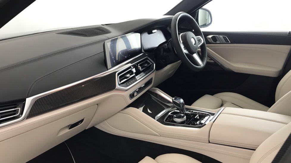 Image 6 - BMW xDrive40i M Sport (YF69MVJ)