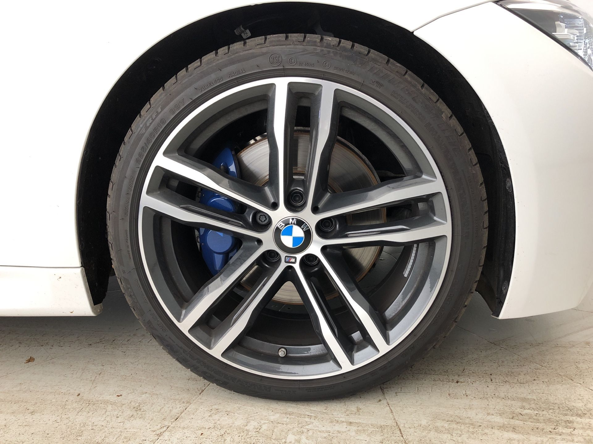 Image 7 - BMW 320d M Sport Shadow Edition Touring (YE19CHY)