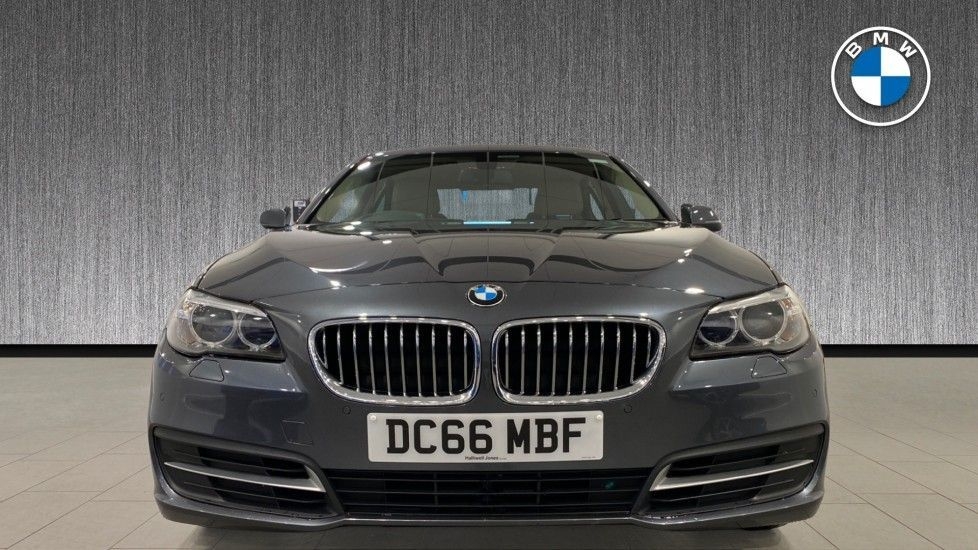 Image 16 - BMW 520d SE Saloon (DC66MBF)