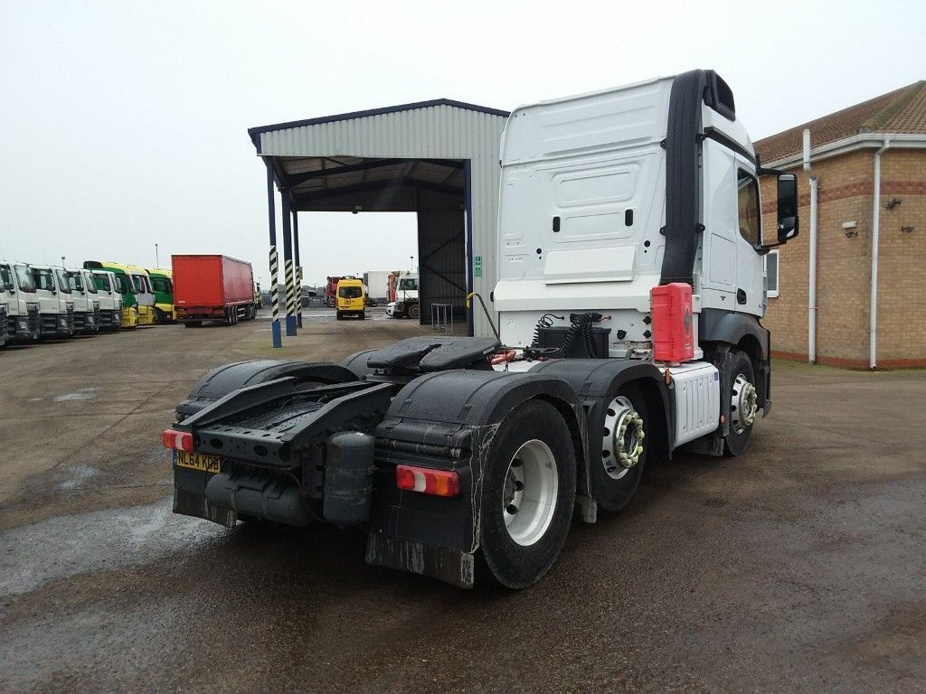 Used Mercedes-Benz Actros Actros 6x2 ADR Tractor Unit New Cvrt Warranty (2014 (142))