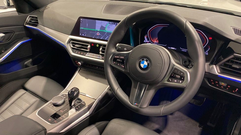 Image 4 - BMW 318d M Sport Saloon (YB69WNC)