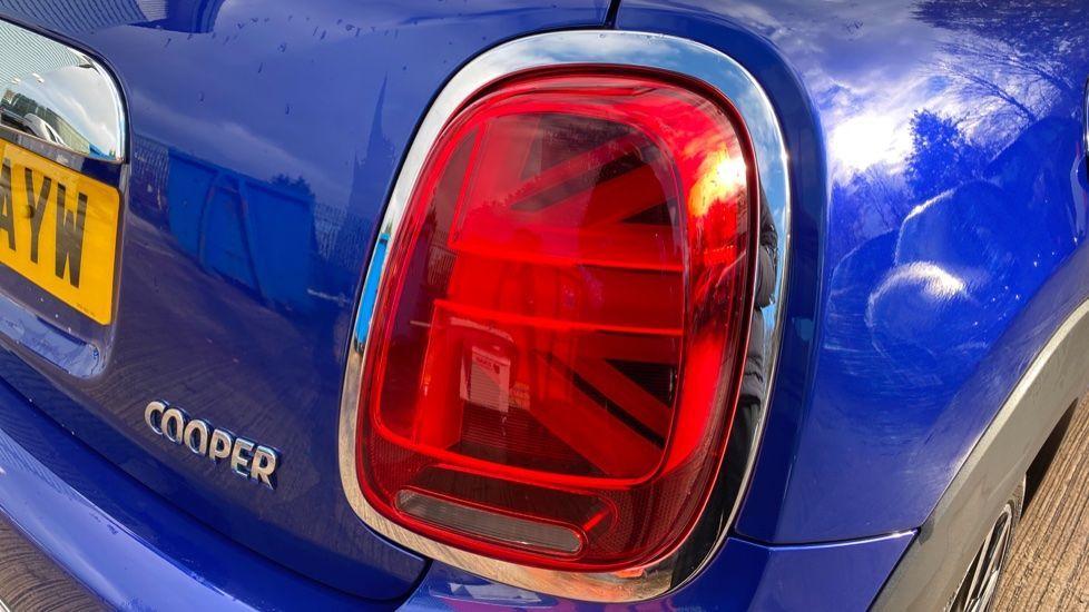 Image 22 - MINI Hatch (MV20AYW)