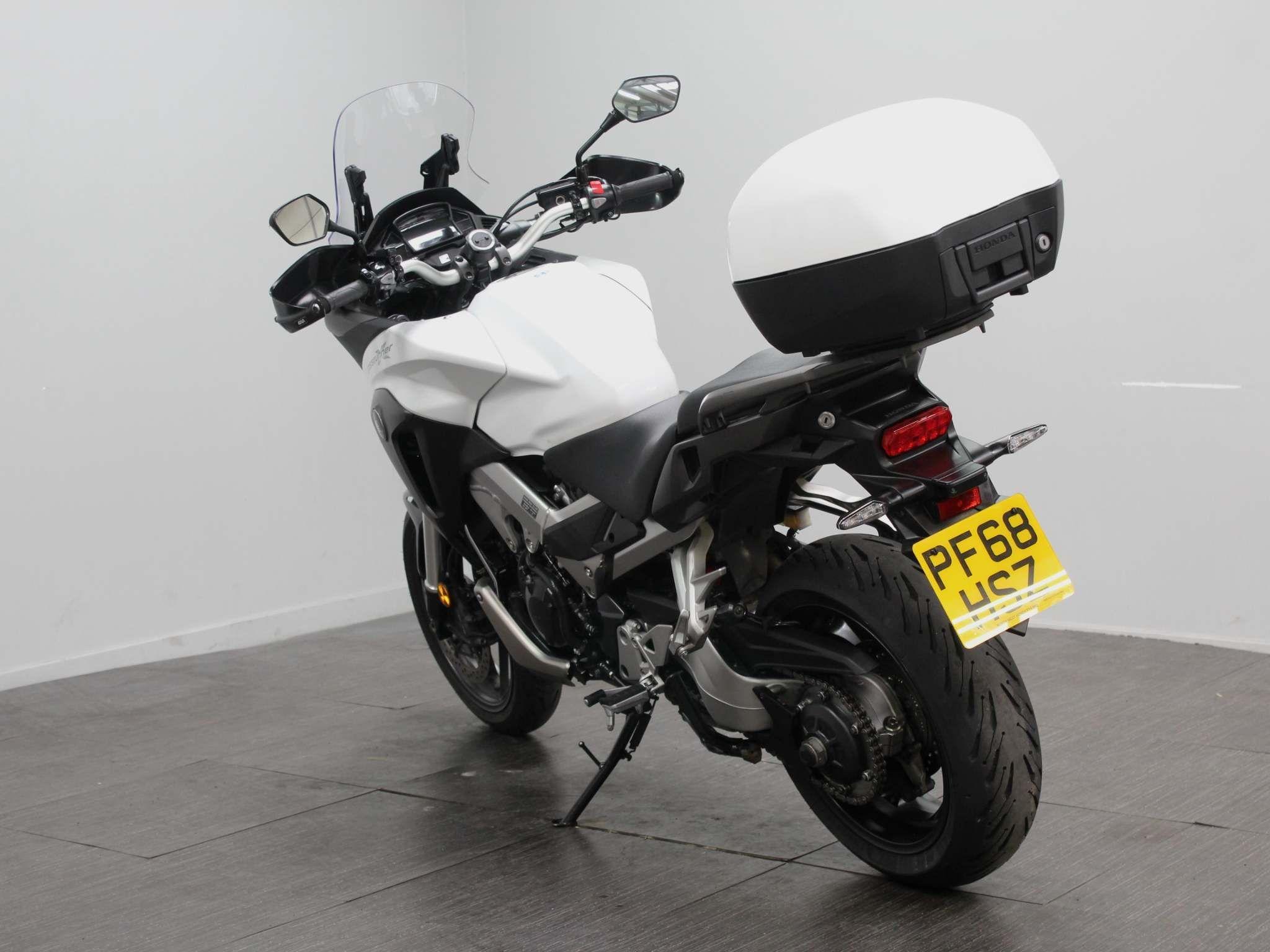 Honda VFR800X Crossrunner Images